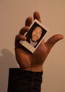 Olivier Bourget portrait dans la main-88