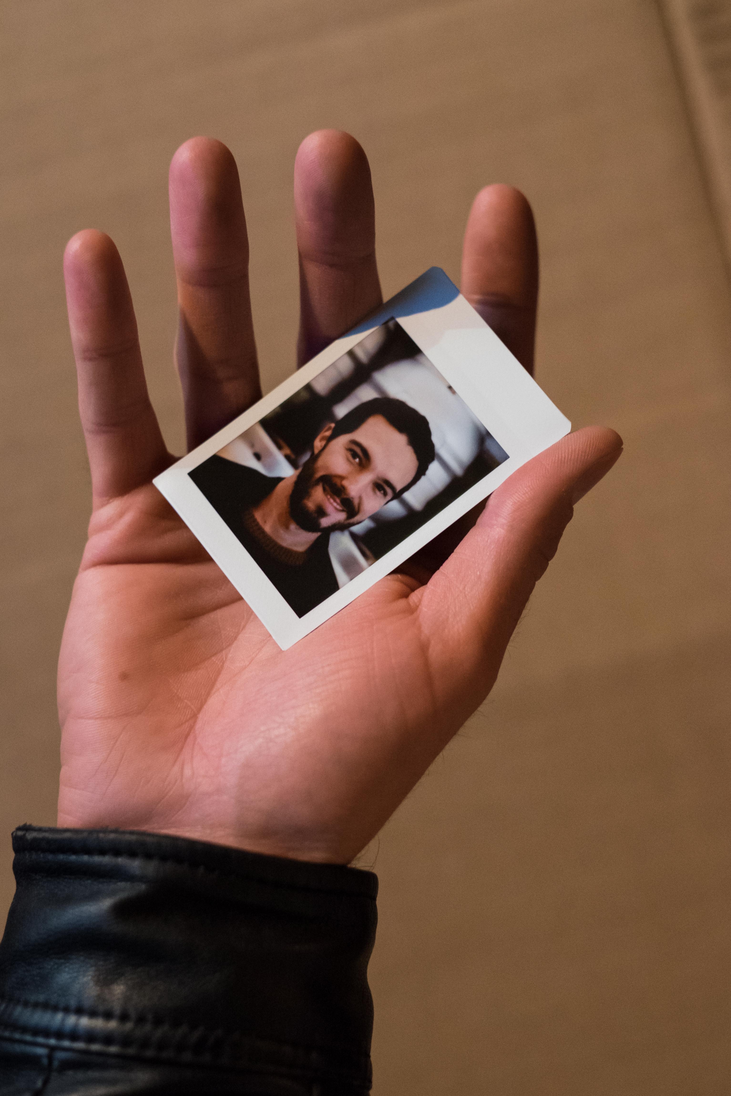 Olivier Bourget portrait dans la main-152