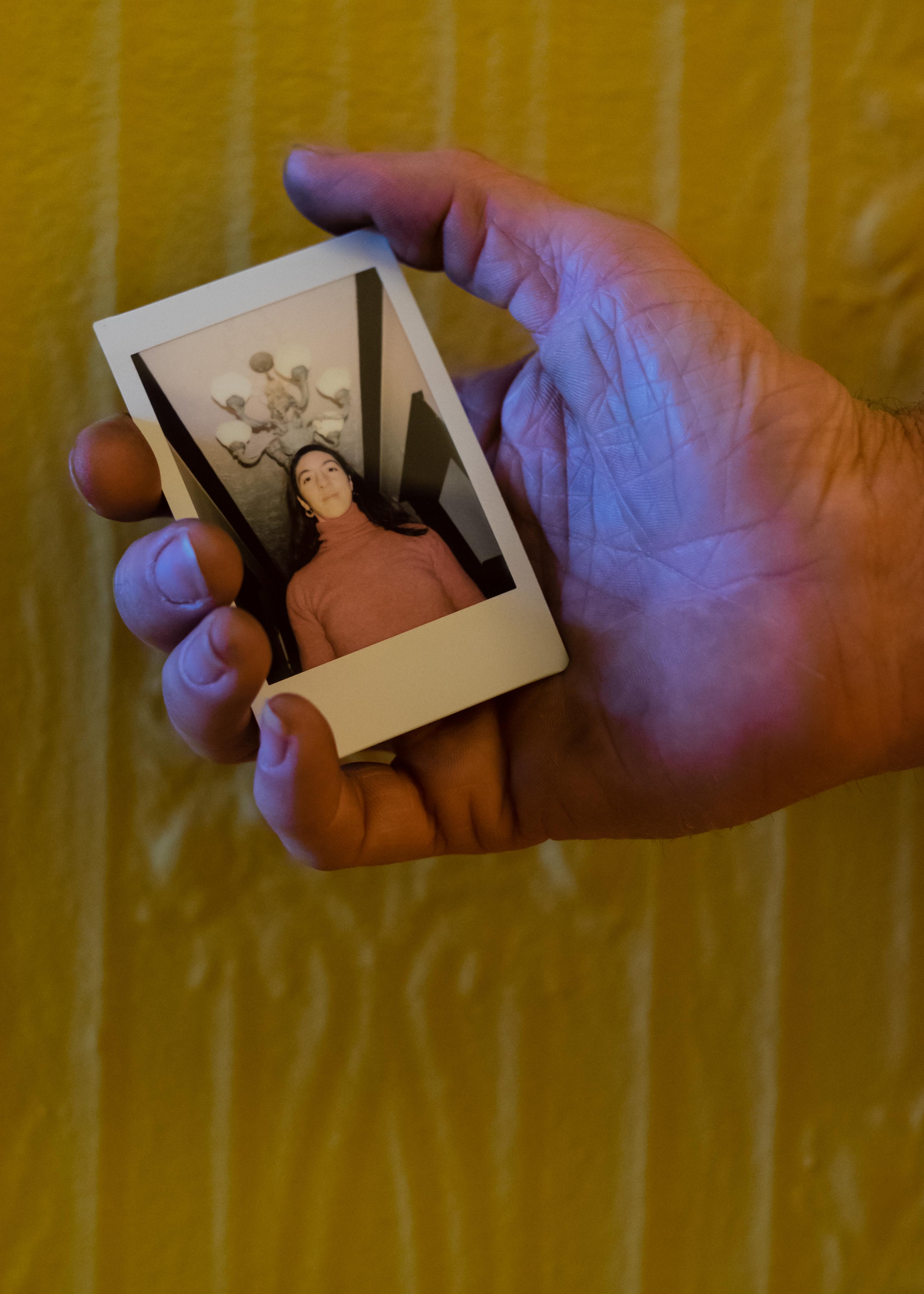 Olivier Bourget portrait dans la main-10
