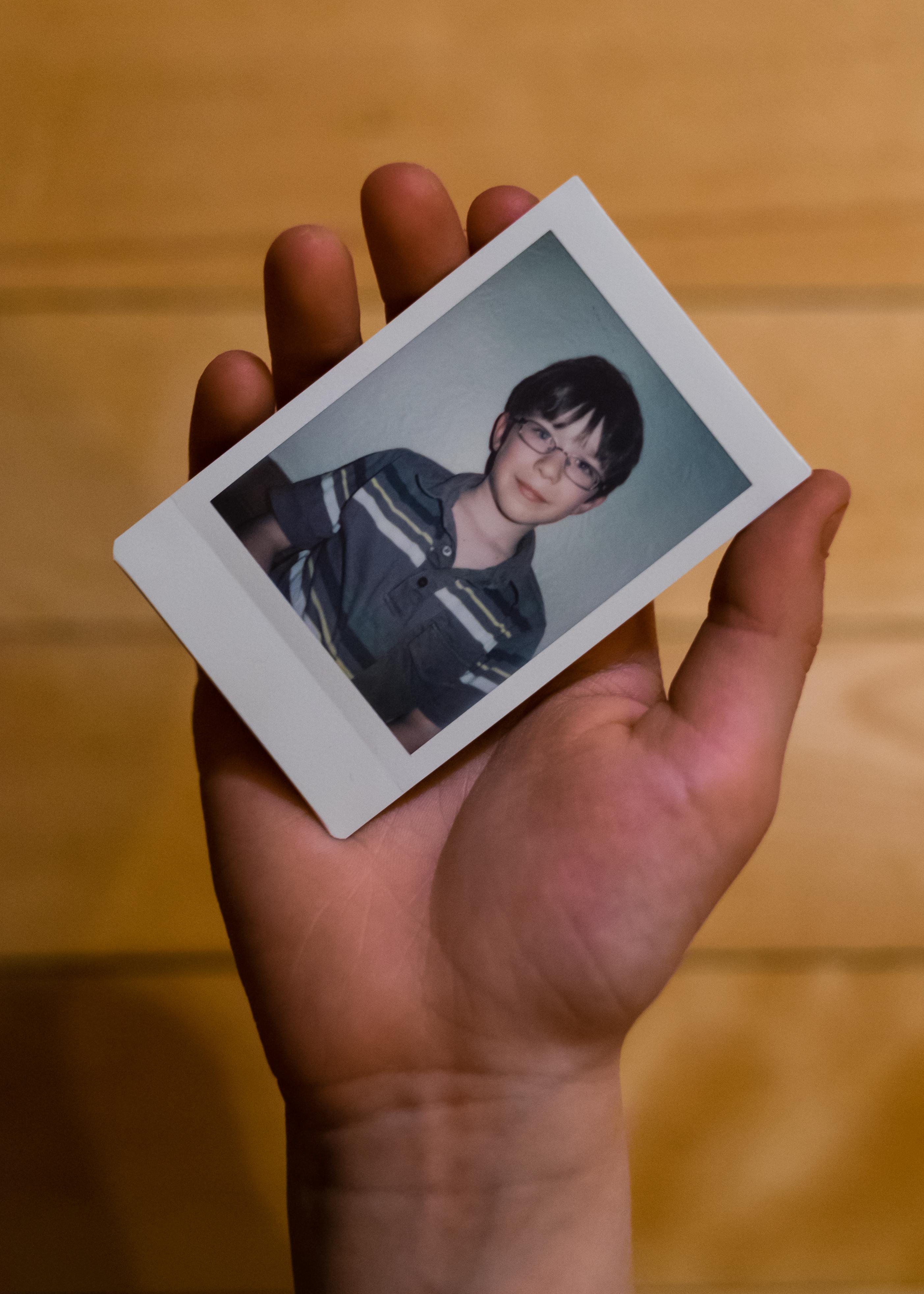 Olivier Bourget portrait dans la main-12