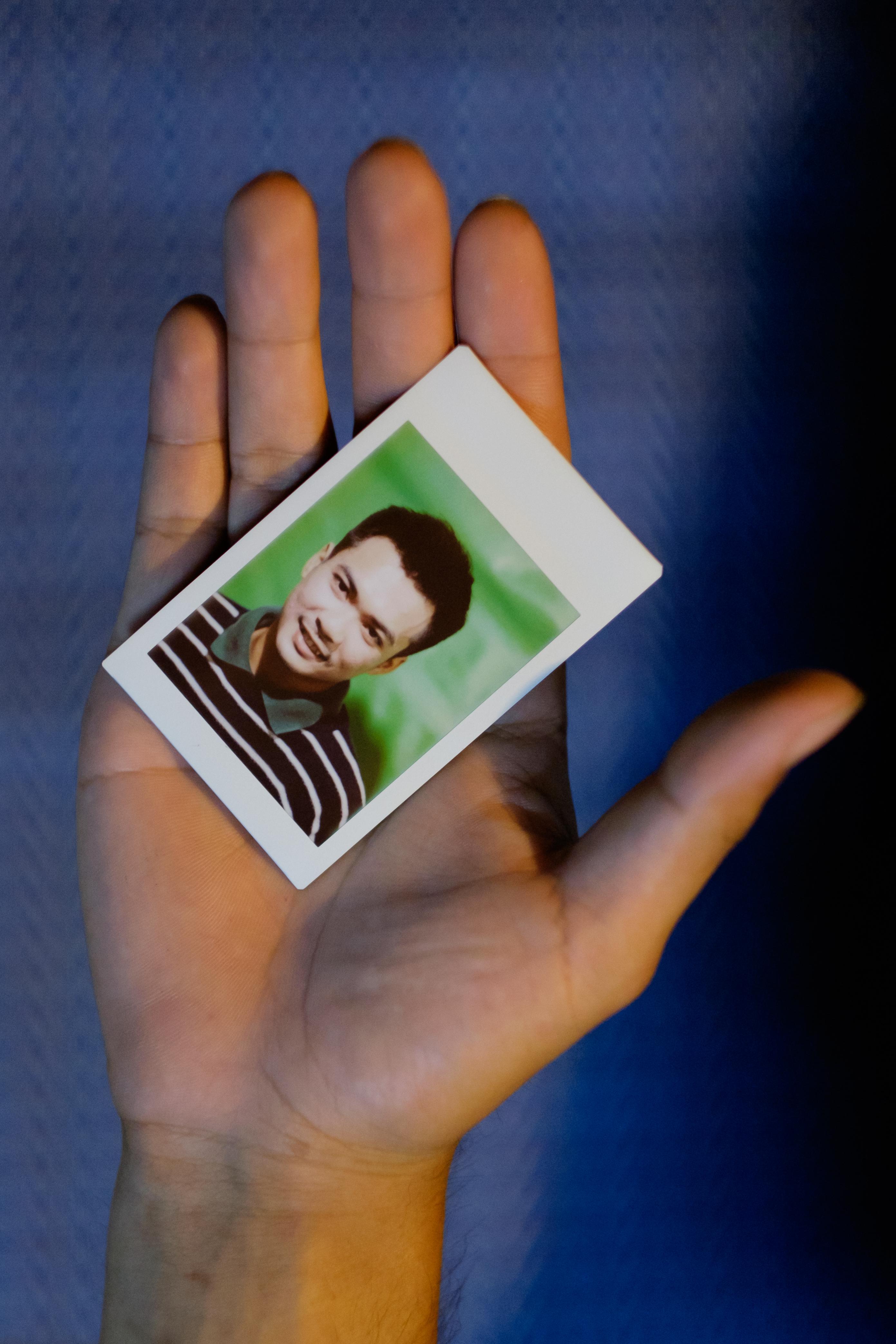 Olivier Bourget portrait dans la main-127