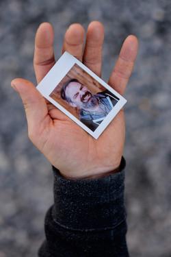 Olivier Bourget portrait dans la main-138