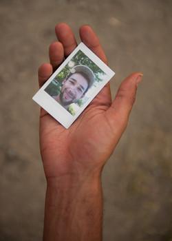 Olivier Bourget portrait dans la main-48