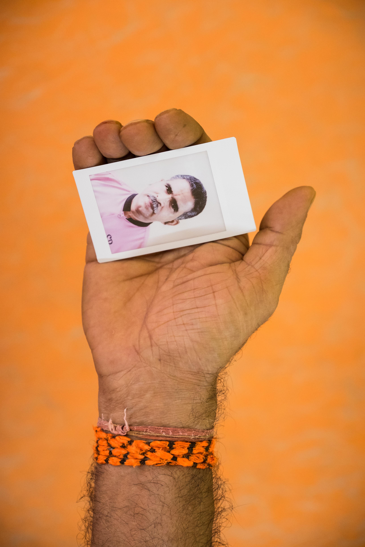 Olivier Bourget portrait dans la main-185