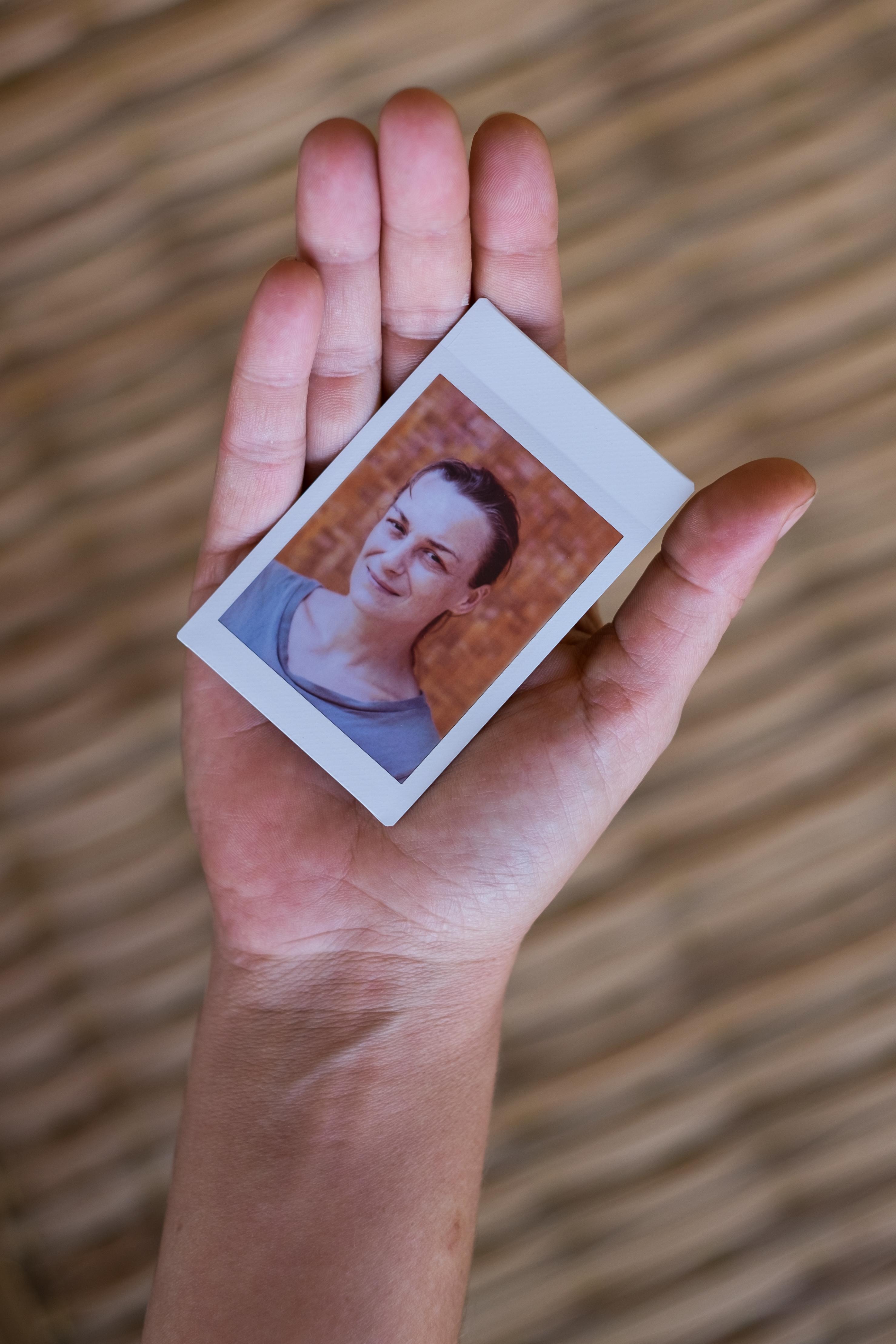 Olivier Bourget portrait dans la main-111
