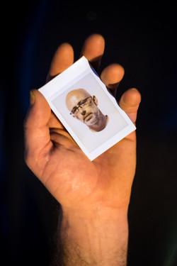 Olivier Bourget portrait dans la main-109