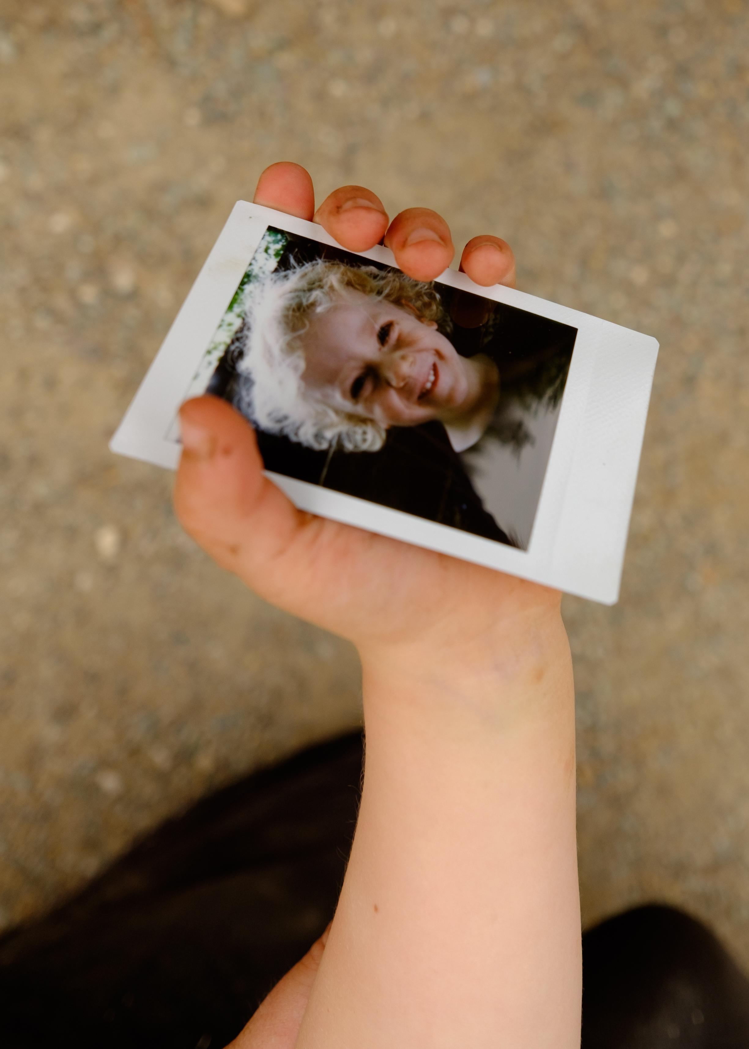 Olivier Bourget portrait dans la main-34