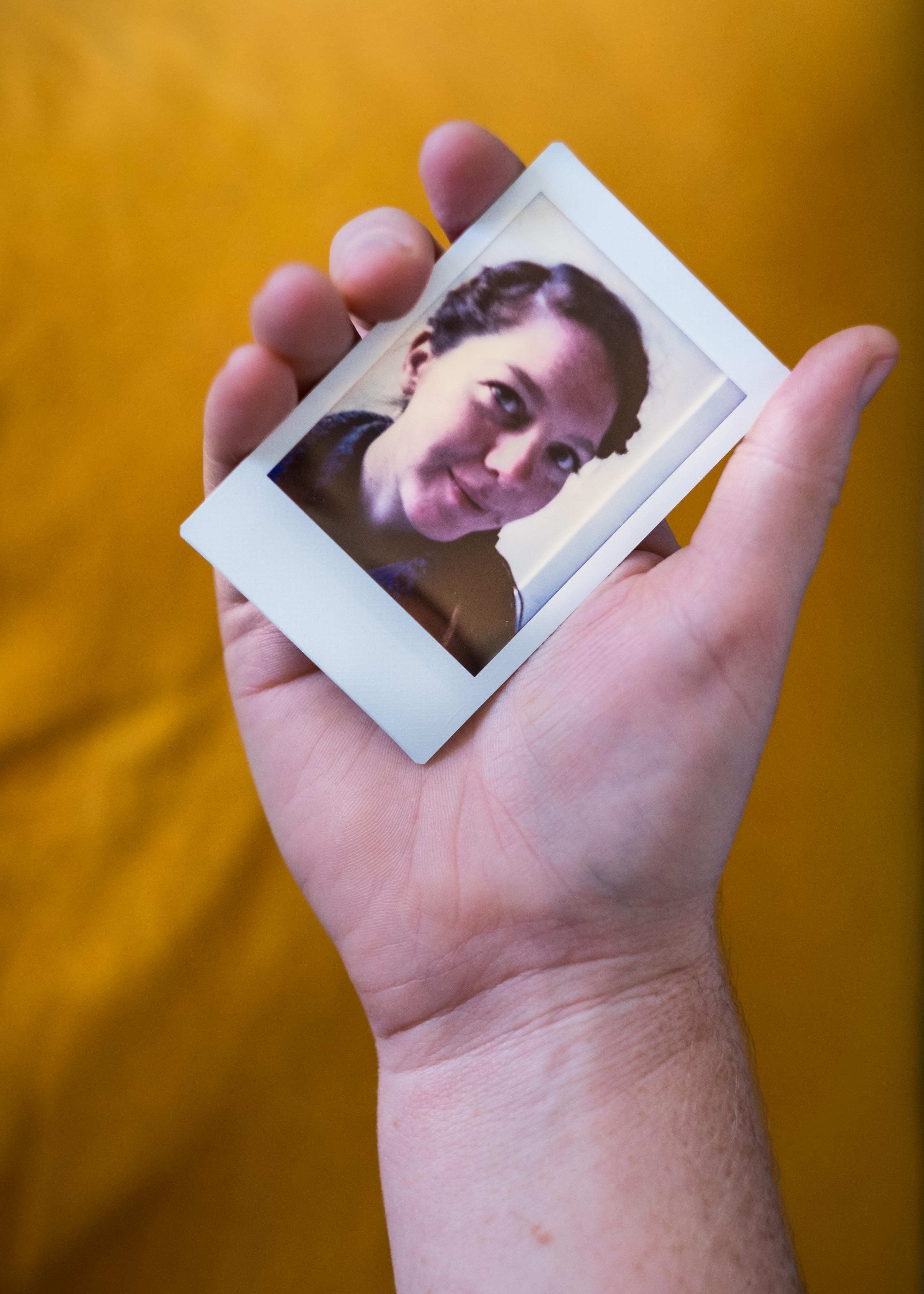 Olivier Bourget portrait dans la main-80