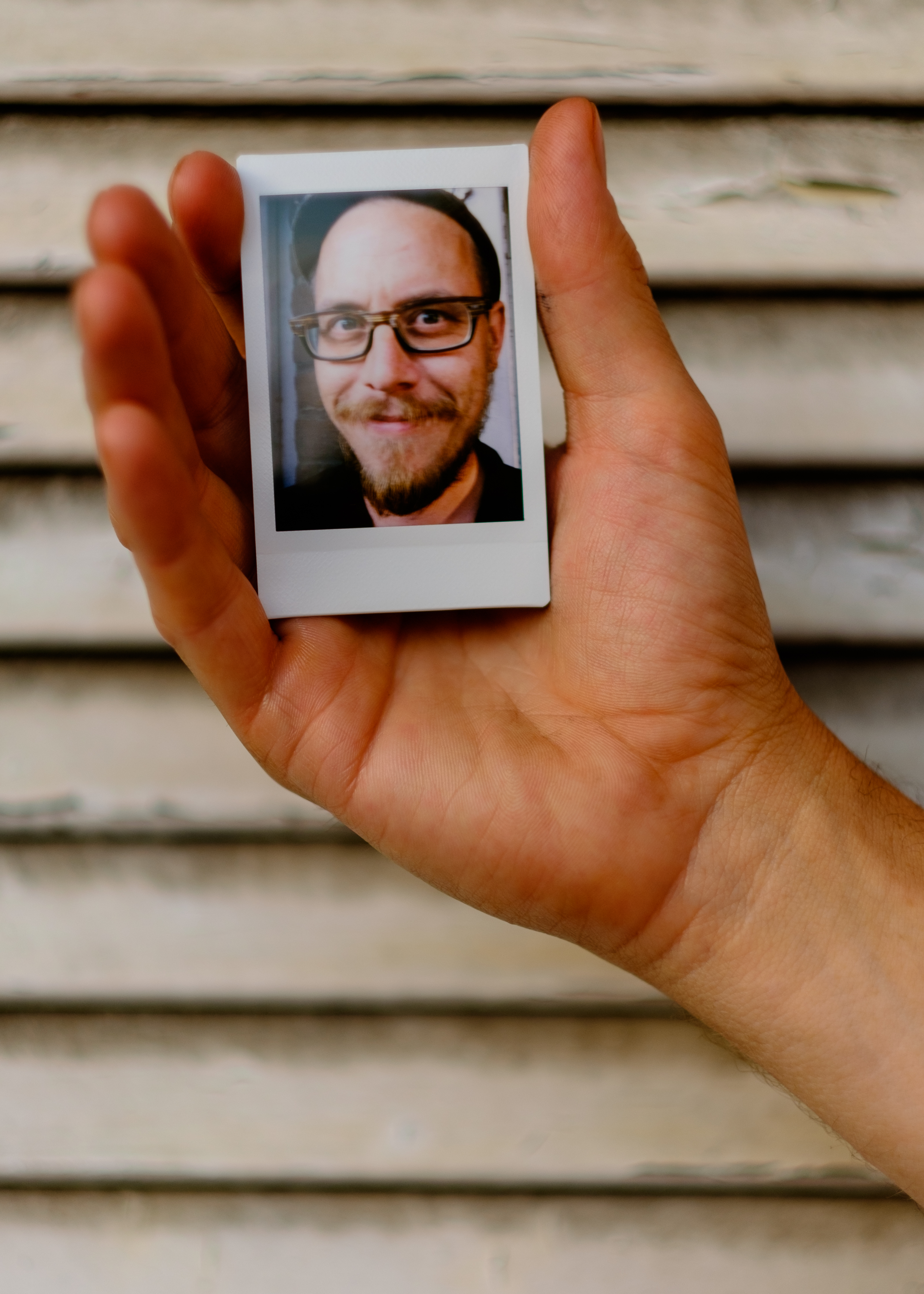 Olivier Bourget portrait dans la main-53