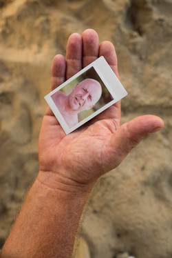 Olivier Bourget portrait dans la main-96