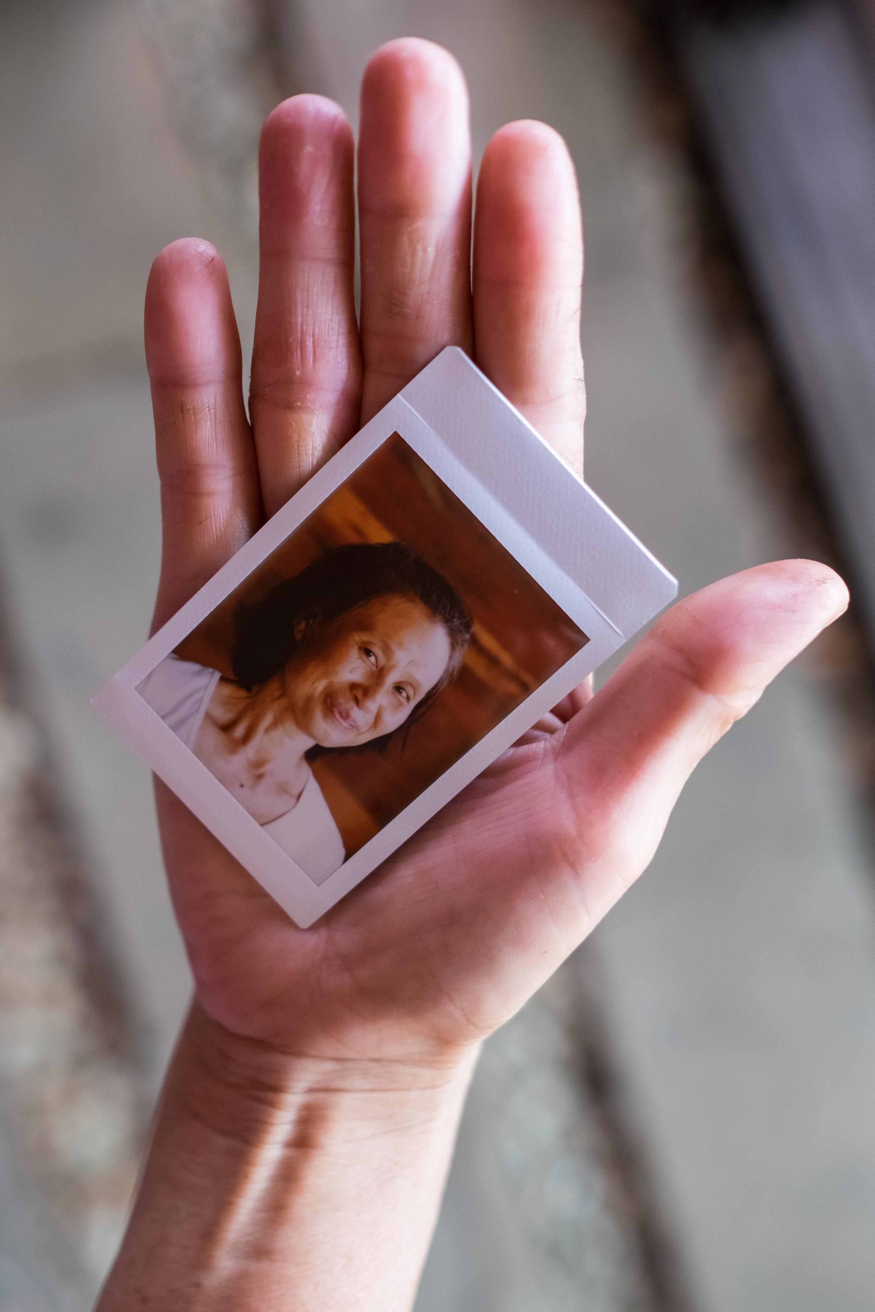Olivier Bourget portrait dans la main-102