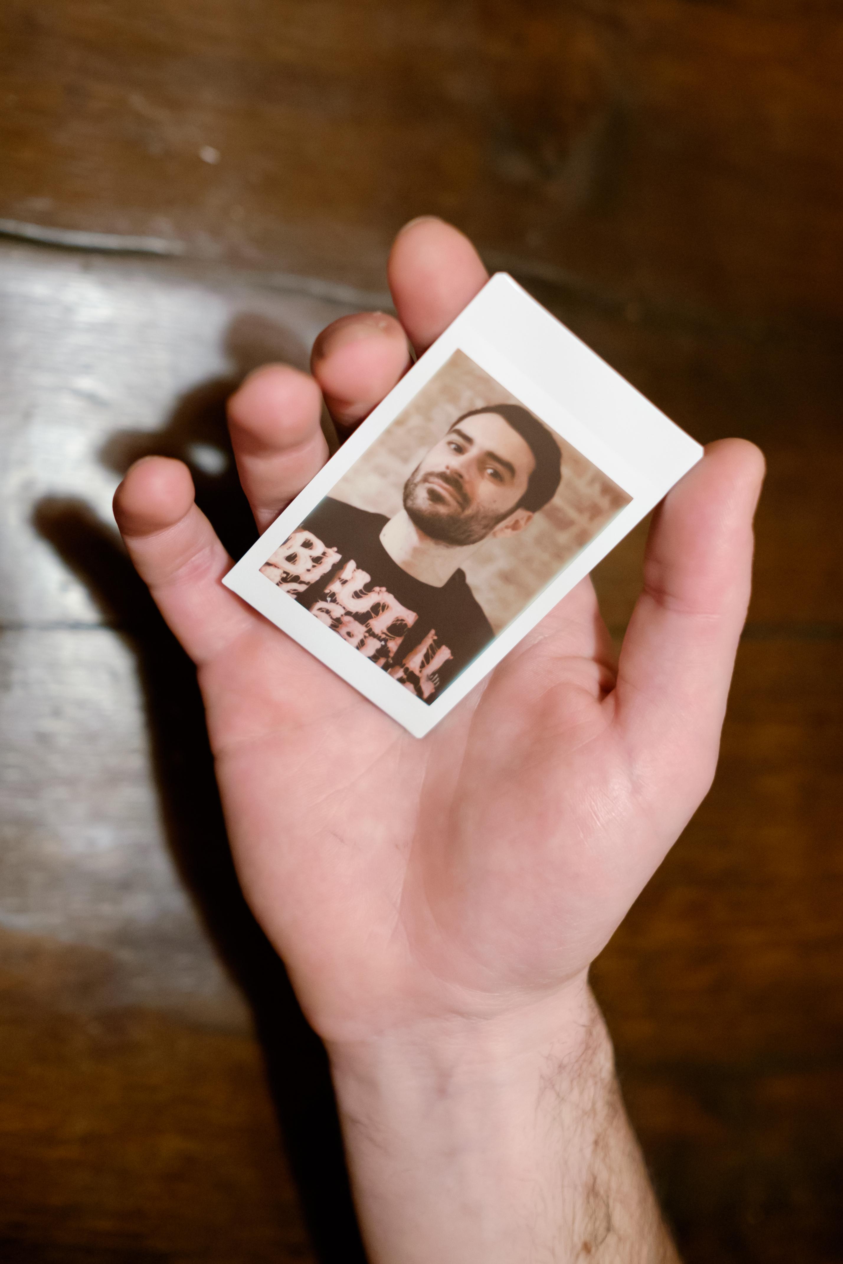 Olivier Bourget portrait dans la main-133
