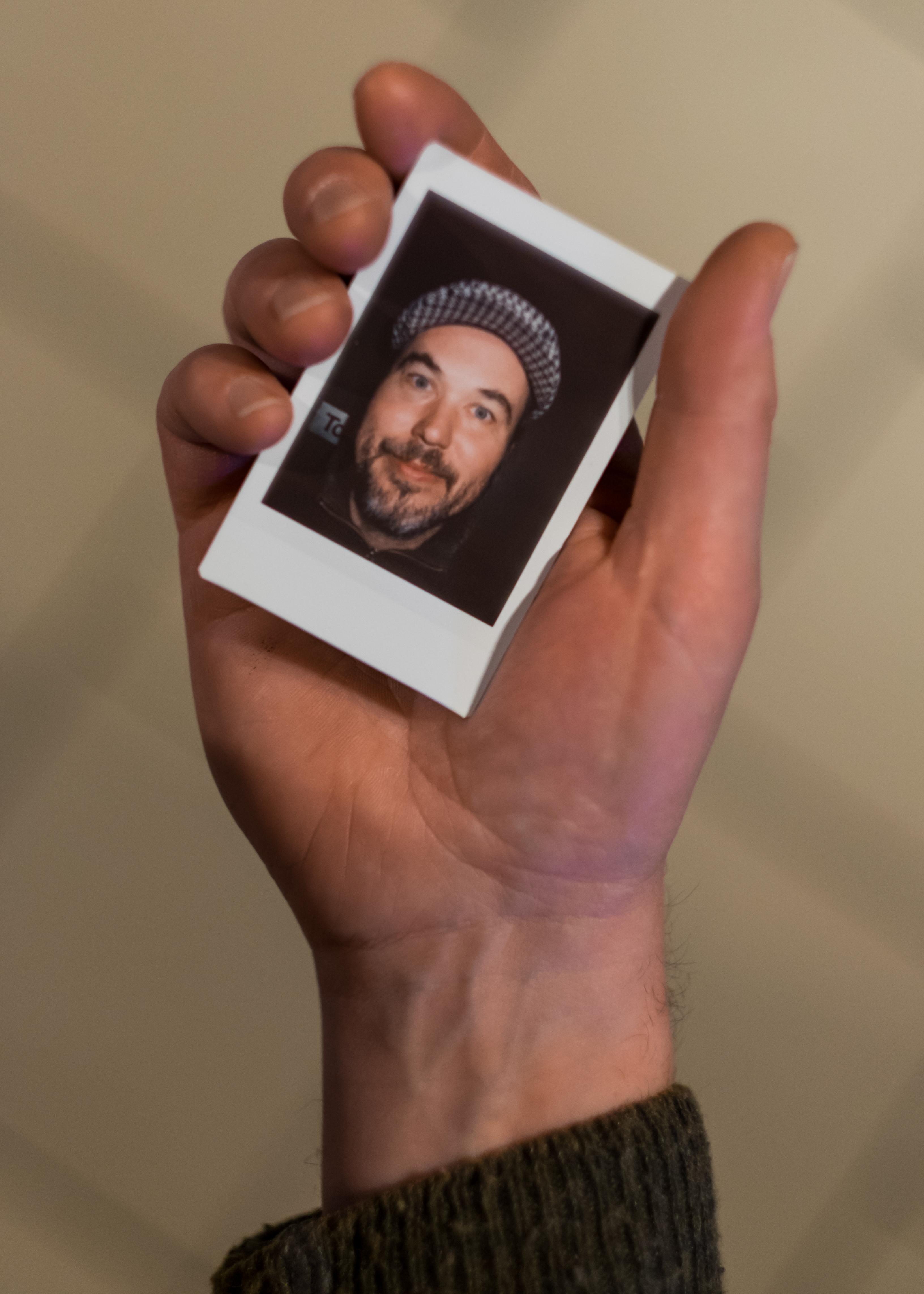 Olivier Bourget portrait dans la main-81