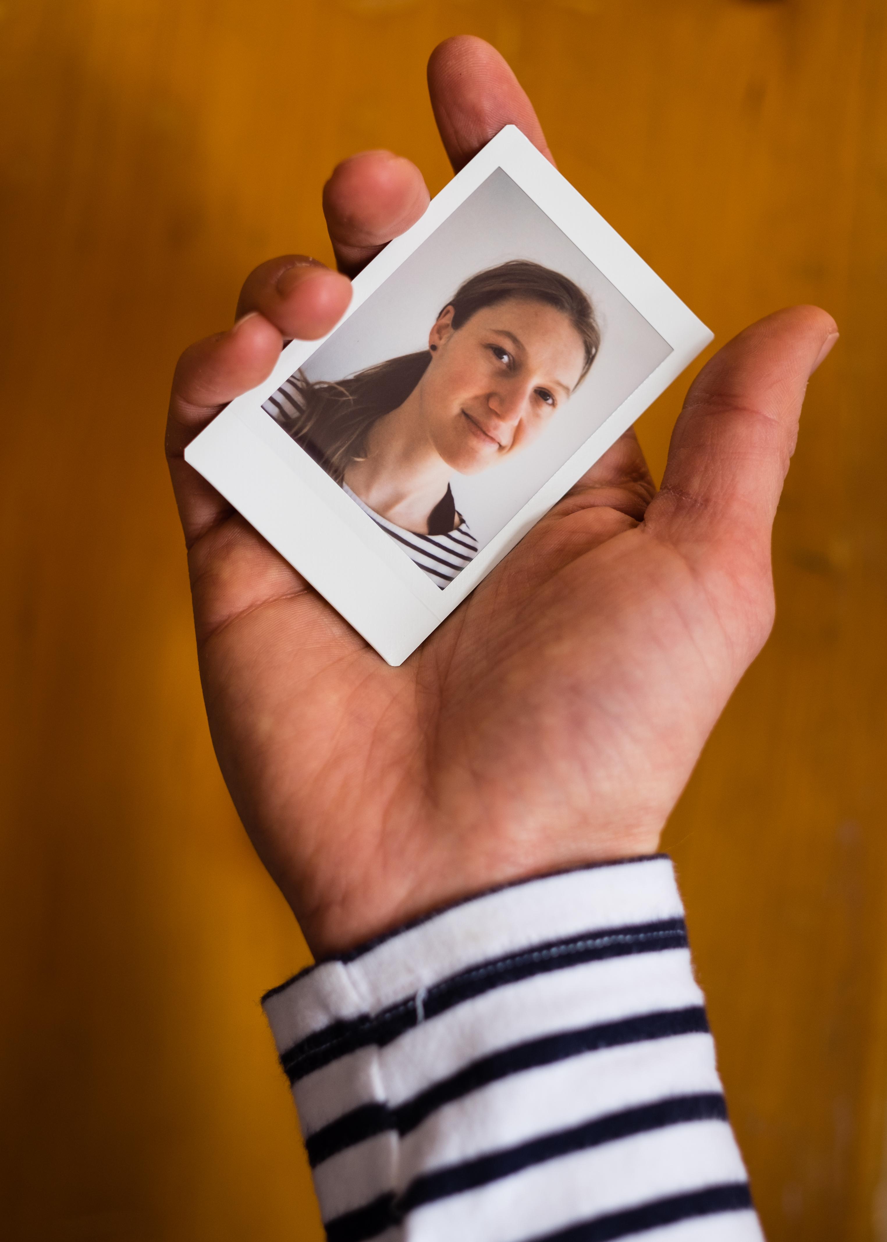 Olivier Bourget portrait dans la main-14