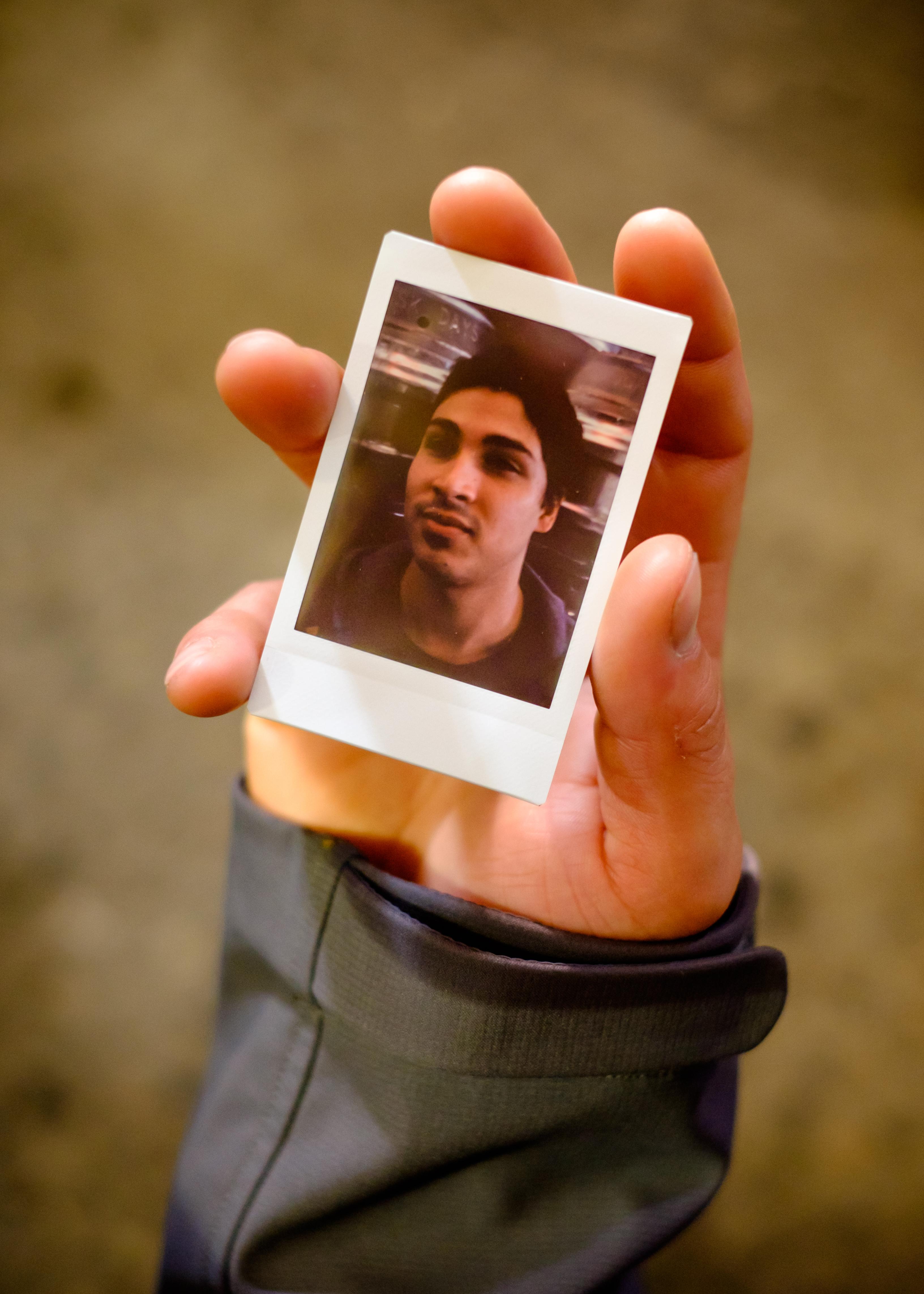 Olivier Bourget portrait dans la main-77