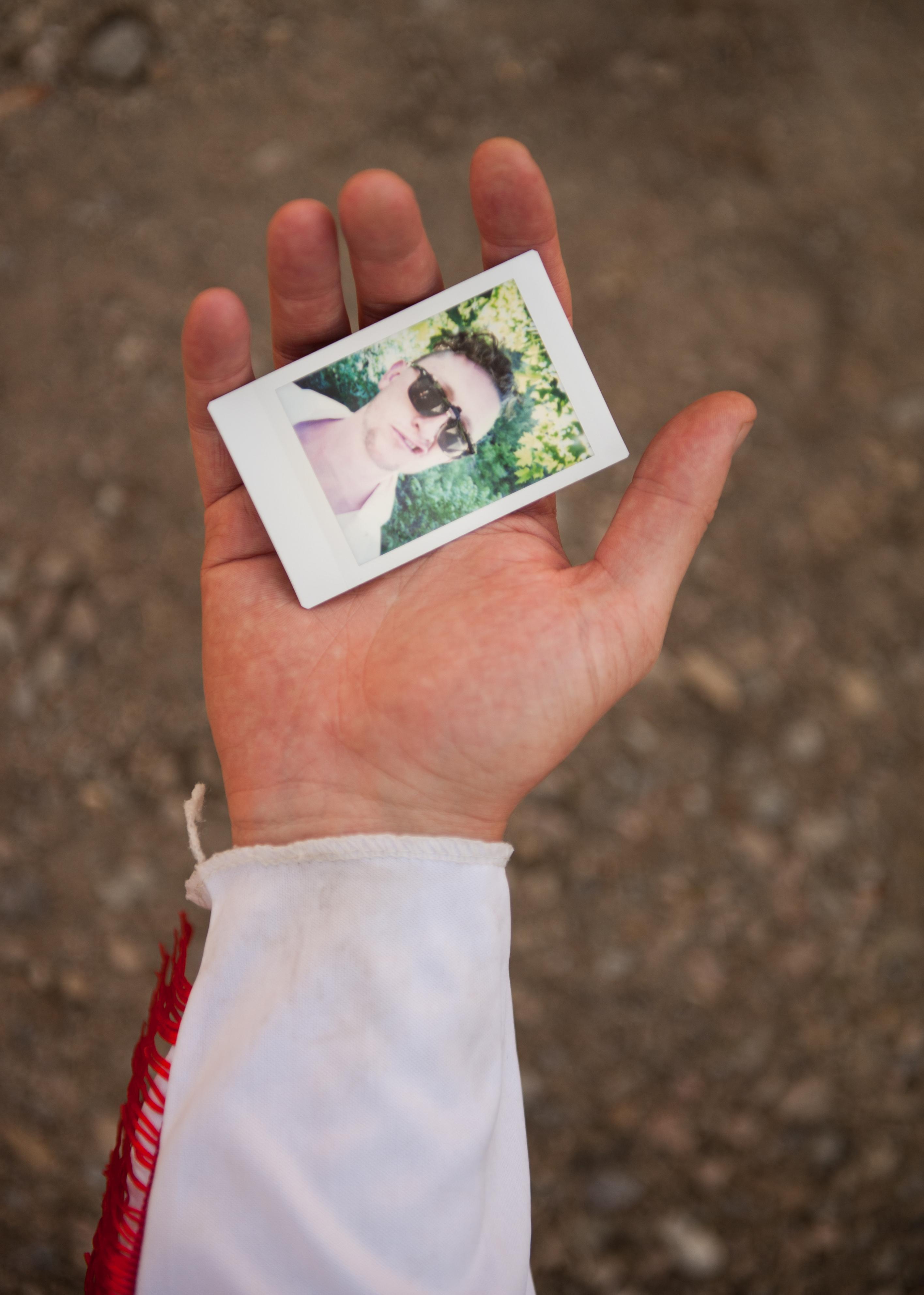 Olivier Bourget portrait dans la main-47