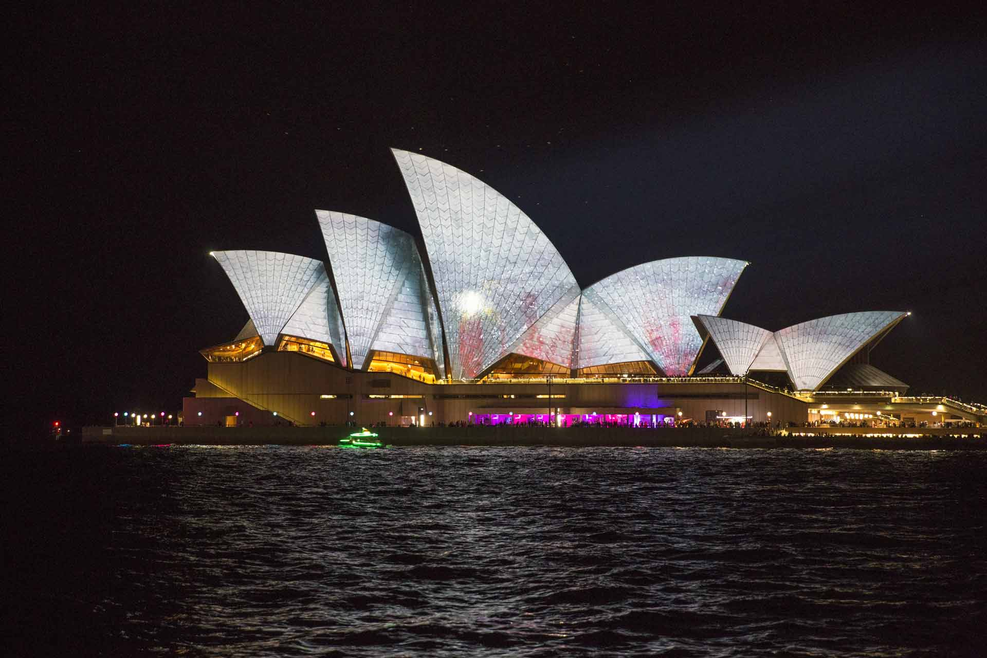 131809-Vivid-Festival,-Sydney-NSW
