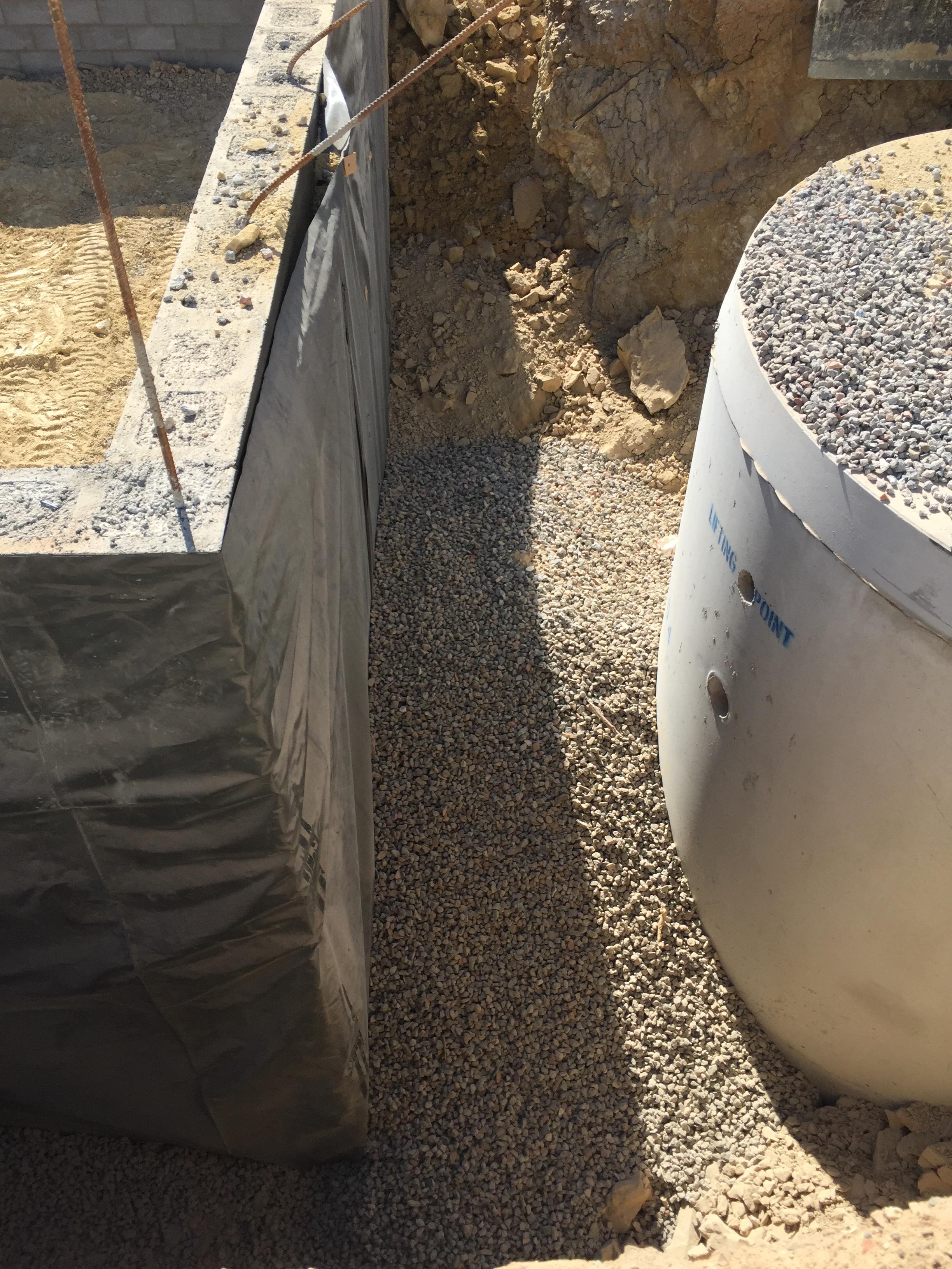 Backfill retaining wall