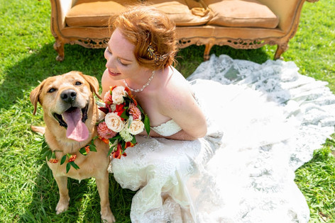 120_Cotswolds_Wedding_Country_Bride_Sofa