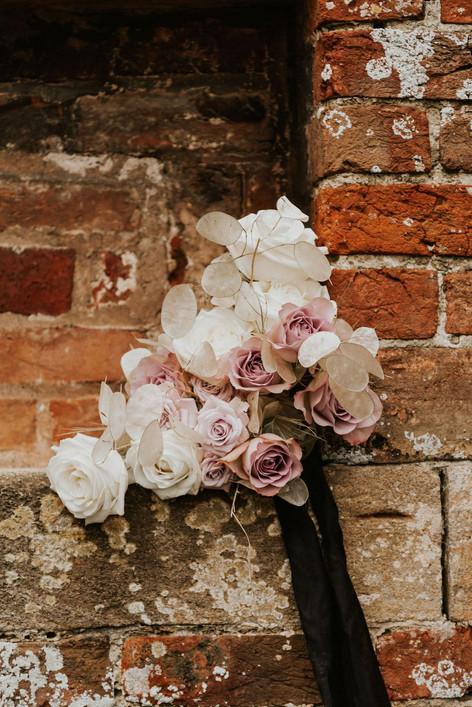 33-Dry-Flowers-Boho-Modern-Gothic-Weddin