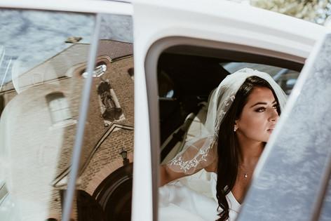 14_L&R_Wedding_Bride_Car-min.jpg