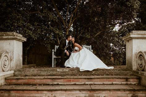 37_L&R_Wedding_Couple_Tree_Kiss-min.jpg