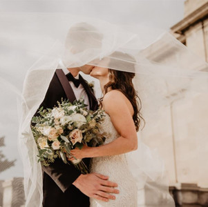 5 ways to elevate your intimate micro wedding