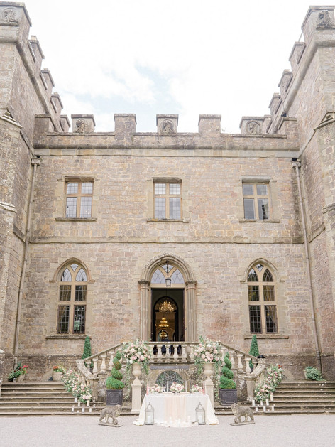 8_Regal_English_Wedding_Clearwell_Castle