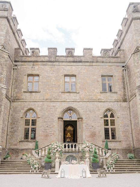 8_Regal_English_Wedding_Clearwell_Castle