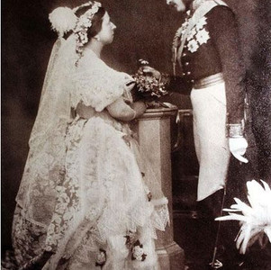 Brief history of bridal gowns
