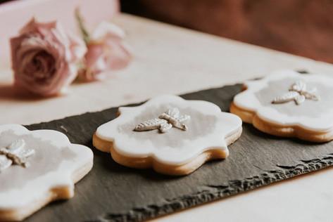 34.1-Cookies-Boho-Modern-Gothic-Wedding-