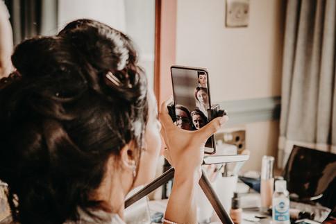 2_L&R_Wedding_Bridal_Getting_Ready_Phone
