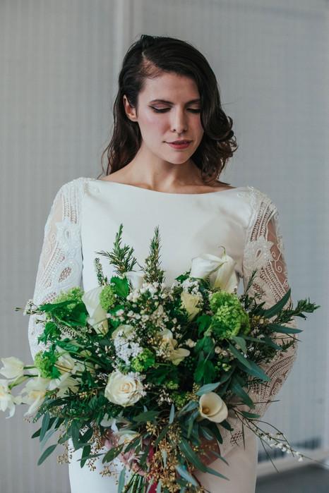 11-Bride-Bouquet-Sleeves-White-Green-Mod