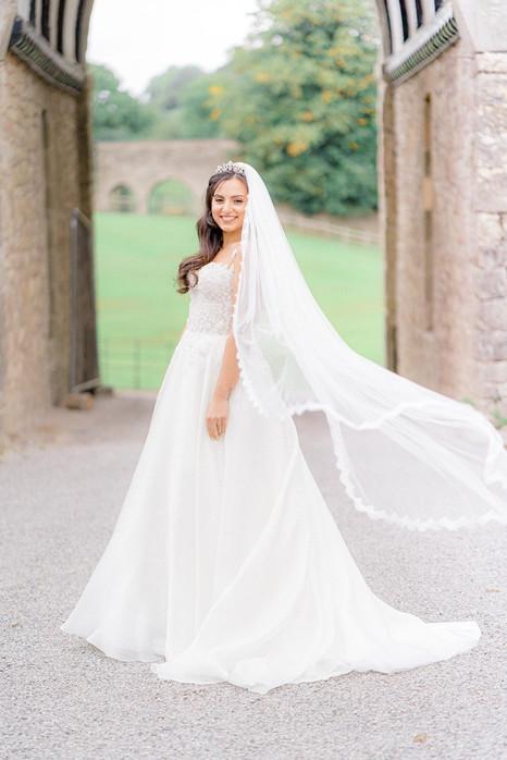 12_Regal_English_Wedding_Clearwell_Castl