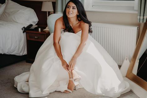 7_L&R_Wedding_Bride_Getting_Ready_Shoes-