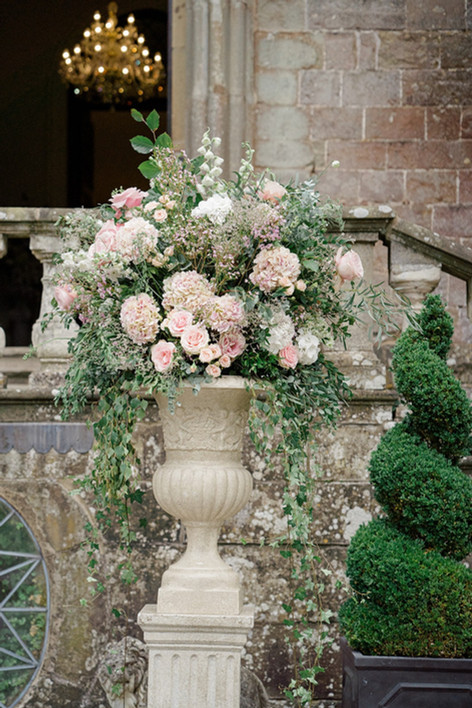 41_Regal_English_Wedding_Clearwell_Castl