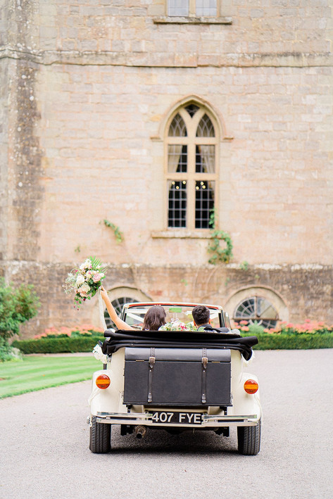 36_Regal_English_Wedding_Clearwell_Castl