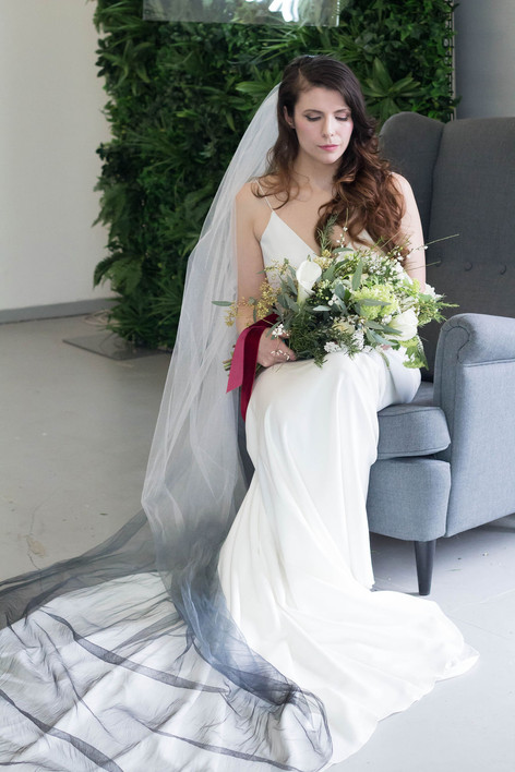 12-Bride-Veil-Ombre-Black-White-Green-Mo