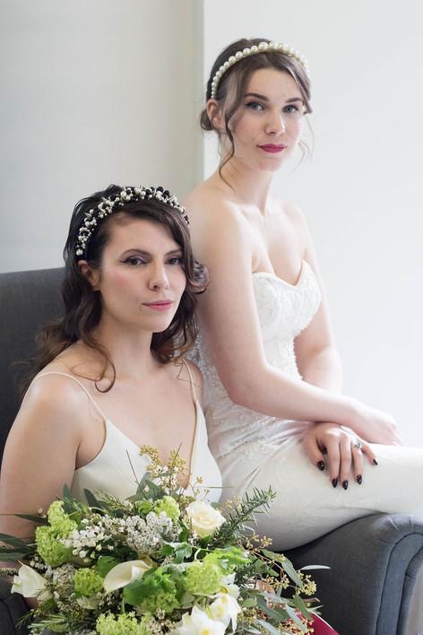 14-Brides-Couple-White-Green-Modern-Ligh