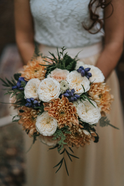 7-Bride-Bouquet-Rustic-Orchardleigh-Wood