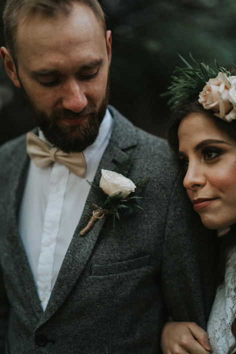 16-Groom-Buttonhole-Rustic-Orchardleigh-