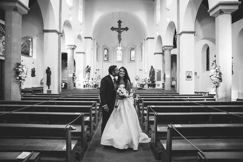 25_L&R_Wedding_Couple_Photo_Church-min.j