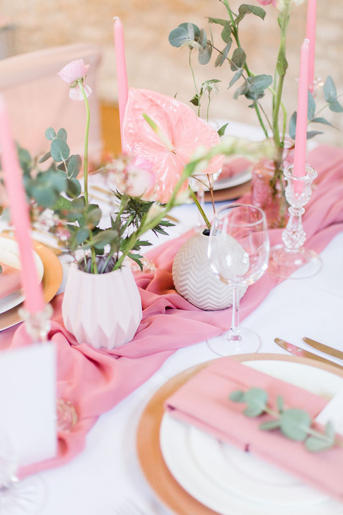 22-Table-Setting-Pink-Light-Airy-Fine-Ar