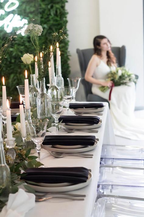 32-Bride-Table-Setting-White-Green-Moder