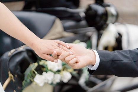 21_Regal_English_Wedding_Clearwell_Castl