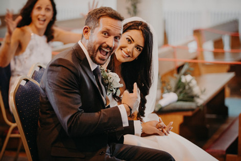 19_L&R_Wedding_Cheeky_Photo-min.jpg