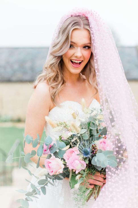 30-Bride-Princess-Laugh-Veil-Pink-Light-