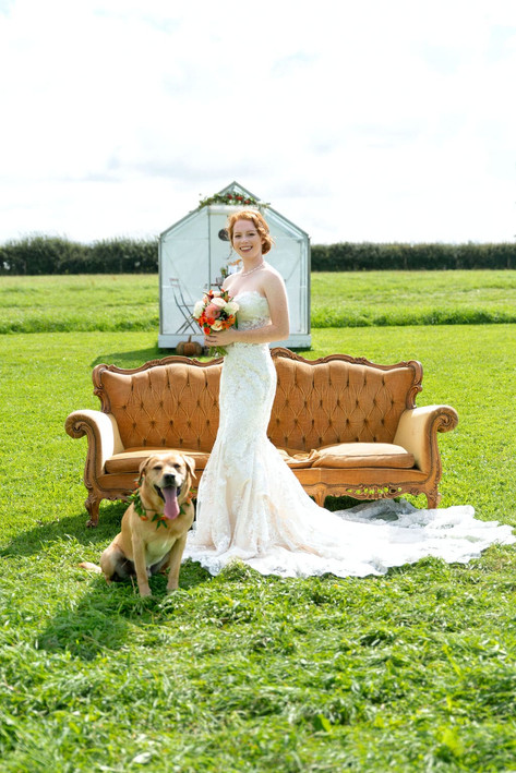 119_Cotswolds_Wedding_Country_Bride_Sofa
