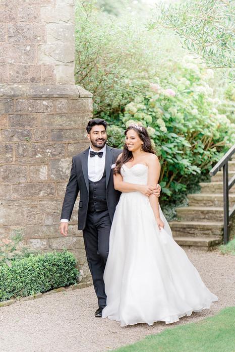 32_Regal_English_Wedding_Clearwell_Castl