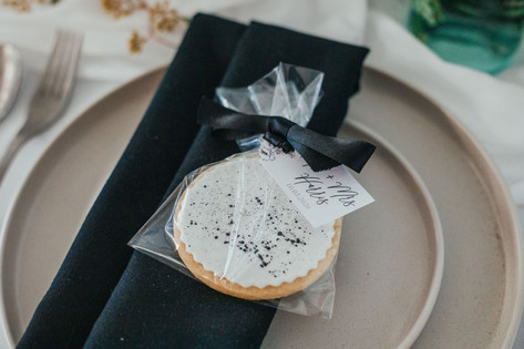 22-Cookie-Biscuit-Favour-White-Green-Mod